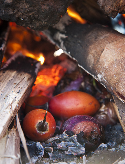 Peru_Tomaten im Erdofen